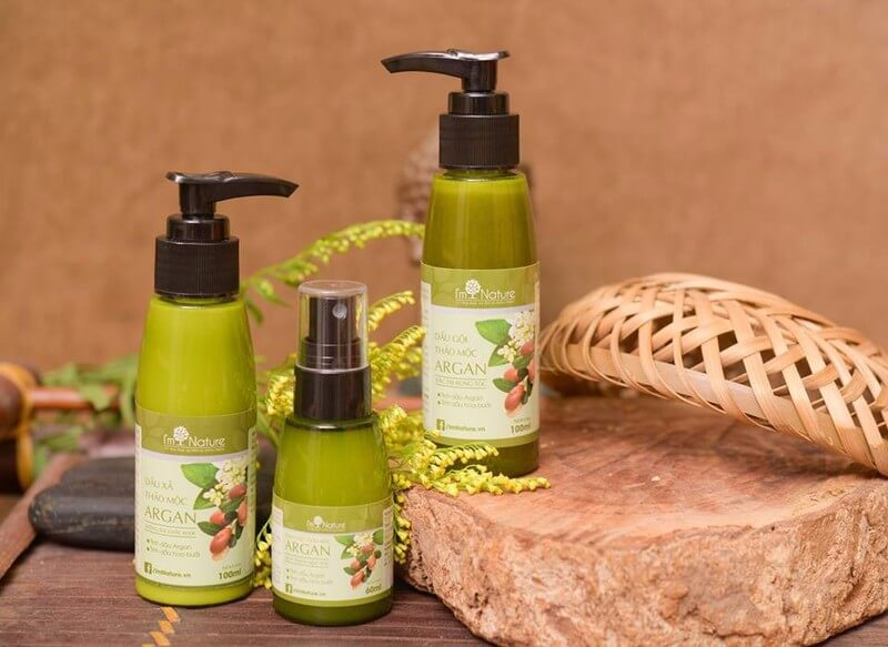Bo San Pham Cham Soc Toc Argan Im Nature Set Nho 2